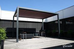 Het Cortona #terrasscherm past perfect in een #industriële tuin.