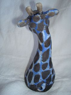 Clay Animals, Animals And Pets, Dalton, Concrete Yard, Pottery Animals, Pinch Pots, Gourds, Clay Crafts, Paper Mache