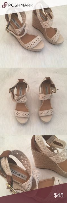 Steve Madden Cream Espradilles Wedges size 8.5 Has heart shaped scratch on the left shoe. Steve Madden Shoes Wedges