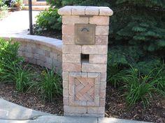 built in mailbox built in mailbox build mailbox post Brick Mailbox, Diy Mailbox, Mailbox Post, Landscape Concept, Landscape Design, Wall Design, Diy Design, Stucco Colors, Custom Mailboxes