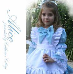 テーマパークへのお出かけに!子供用ドレス100cm/110cm/120cm/130cm/  子供服 水色アリスエプロンドレス アリスコレクション 女の子  Alice キャサリンコテージ catherine cottage