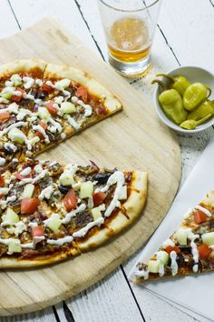 Gyro pizza by Sam Henderson of Today's Nest #PizzaWeek