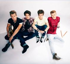 The vamps. I have the same converse as Tris
