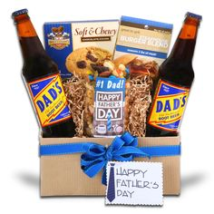 Delight your number one Dad with an Alder Creek Fathers Day gift basket and card. Packaged in a fluted corrugated paper box and tied with a blue ribbon, is a delicious selection of snack cookies, fruit and nut mix, root beer, and cooking spices. Cheap Fathers Day Gifts, Fathers Day Gift Basket, Personalized Fathers Day Gifts, Diy Father's Day Gifts, Father's Day Diy, Fathers Day Crafts, Happy Fathers Day, Gifts For Dad, Diy Father's Day Gift Baskets