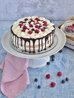 Cake Icing, Drip Cakes, Pavlova, Food Art, Cake Decorating, Cheesecake, Food And Drink, Cooking Recipes, Yummy Food