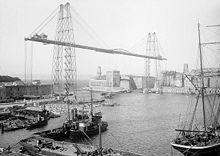 Le pont transbordeur qui permettait aux piétons de traverser le vieux port