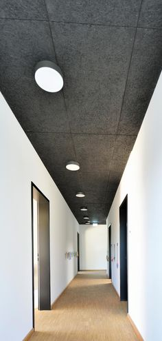 Troldtekt acoustic panels ensure ideal sound absorption and optimal fire protection in new nursery. The ceiling panels are made from natural materials; wood and cement, and thus offer a sustainable acoustic solution. Drop Ceiling Panels, Open Ceiling, Ceiling Beams, Ceilings, Ceiling Cladding, Office Ceiling, Ceiling Decor, House Ceiling Design, Acoustic Design