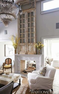 Shabby chic living room decor ideas, inspiration and photos with shabby chic furniture, paint colors, home decor accessories, fabrics and textures for the ultimate living room. Shabby Chic Living Room, Living Room Decor, Living Spaces, Living Rooms, Family Rooms, Style At Home, Tall Wall Decor, Sweet Home, Grey Home Decor