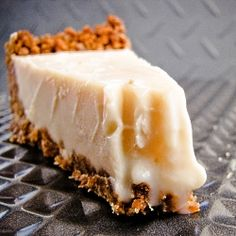 Vanilla Cream Pie with Gingersnap Crust