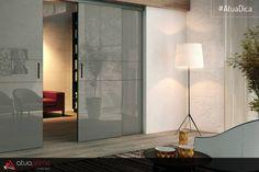 Seja para aqueles que adoram ler ou para os que preferem uma iluminação mais reservada, as luminárias de piso são ideais!!!   Charmosas e encantadoras, elas não precisam de nada a mais para se destacar, sua presença cria um ar moderno e diferente no ambiente, atraindo a atenção de todos, além de ser funcional e prática!  #AtuaPrime #AtuaDica #ConceptDecor #Decoração #Decor #Interiores #Planejado #InstaDecor #InstaHome #Ambientes #HomeDecor #Inspiração #Inspiration #LoveDecor #InteriorDesign
