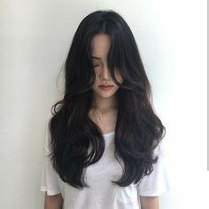 Best Hair Waves Curls Brunettes 17 Ideas is part of Black hair curls - Korean Haircut Long, Korean Long Hair, Korean Hairstyle Long, Black Hair Korean, Korean Curls, Korean Hairstyles Women, Hair Korean Style, Korean Medium Hair, Asian Haircut