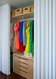 Guarda roupas sem portas