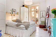 Keltainen talo rannalla: Ruotsalaisia koteja
