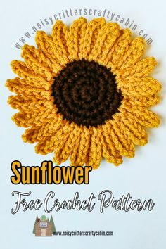 If you love sunflowers as much as I do, this quick and easy sunflower free crochet pattern is the perfect project for you. Crochet Fall Decor, Diy Crochet Flowers, Crochet Garland, Crochet Sunflower, Sunflower Pattern, Crochet Flower Patterns, Crochet Stitches Patterns, Thread Crochet, Sunflower Crafts