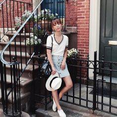 """Andrea Chong on Instagram: """"New blog post up dreachong.com! Semi-preppy at Bleeker St, one of my favourite places to shop! In @theninedame top. ✌️ #DreainNYC"""""""