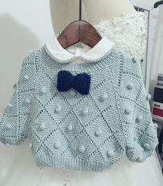 보기만 해도 미소가 절로 지어지는 예쁜 #스웨터 입니다. 대바늘 솜씨만 있다면 우리 막둥이에게 해주고싶... Crochet Blanket Patterns, Baby Blanket Crochet, Baby Knitting Patterns, Crochet Baby Shoes, Baby Sweaters, Mommy And Me, Knitwear, Children, Clothes