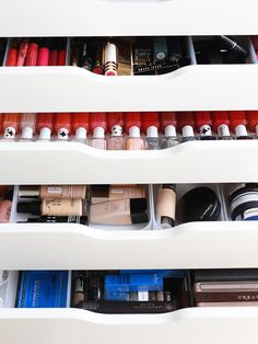 I think looking at perfectly displayed makeup is my favourite pastime. It just fills me with joy! I've spent a while perfecting my makeup collection, so I thought I'd (finally!) share the results w. Cosmetic Storage, Makeup Storage, Makeup Organization, Makeup Vanity Decor, White Dressing Tables, Home Organisation, My Makeup Collection, Beauty Supply, House Tours