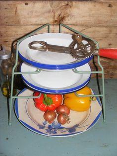 Vintage green plate rack / Vintage reseda groen bordenrek  * de tijd van toen.net * Brocante & Styling *