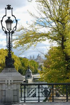 Bridges of Madrid: Puente de la Reina sobre el río Manzanares. #toursim Madrid Segway Tours.