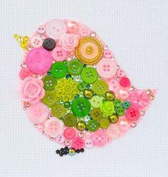 ボタンは糸で留めるものと思い込んでいませんか? 布に糸で留める意外にも、実は色々なアイデアでボタンを使うことができるんです。