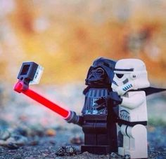 Starwars Darth Vader & Stormtrooper take a selfie with a light saber selfie stick Lego Star Wars, Star Wars Meme, Star Wars Film, Star Trek, Lego Krieg, Les Inventions, Lego Dc Comics, Very Funny Pictures, Funny Pics