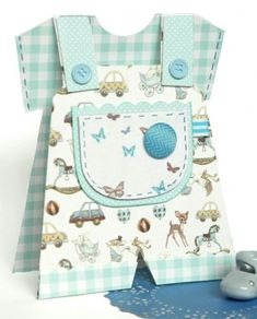 Baby Shower Cards for Boy Lovely It's A Boy Baby Dungaree Card Tutorial with Free Craft Baby Dungarees, Baby Shower Invitaciones, New Baby Cards, Baby Boy Cards Handmade, Shaped Cards, Baby Shower Cards, Baby Kind, Card Tutorials, Cute Cards