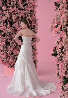 ball strapless wedding gowns chapel train