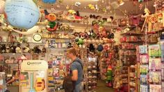 16071 (530×300) Toy Store, Times Square, Projects To Try, Travel, Viajes, Traveling, Trips, Tourism
