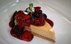 CHEESE CAKE DE FRUTAS VERMELHAS - Em vídeo, chef Claude Troisgros ensina a fazer a sobremesa