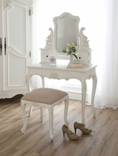 Baroque Antique French Style Dressing Table Set - French Furniture from Homesdirect 365 UK White Dressing Tables, Dressing Table Set, Dressing Rooms, Baroque Furniture, French Furniture, Furniture Dolly, Cheap Furniture, Discount Furniture, Furniture Sets