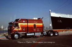 kw walking in cooler . Show Trucks, Big Rig Trucks, Old Trucks, Classic Tractor, Classic Trucks, Custom Big Rigs, Custom Trucks, Big Ride, Big Tractors
