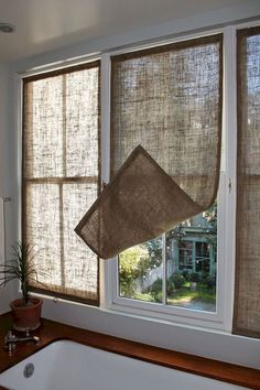 Kitchen Window Coverings Diy Home 38 Ideas Kitchen Window Coverings, Farmhouse Window Treatments, Sunroom Window Treatments, Kitchen Window Curtains, Cheap Window Treatments, Bathroom Window Privacy, Small Window Curtains, White Curtains, Bedroom Window Coverings