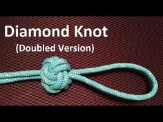 Learn how to make a knife lanyard knot with paracord. Easy step by step instructions for tying a knife lanyard knot in this simple. Lanyard Knot, Paracord Bracelets, Macrame Bracelets, Paracord Zipper Pull, Diamond Knot, Diamond Rings, Paracord Tutorial, Paracord Projects, Paracord Supplies