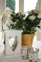 Gorgeous ivory table setting - touches of gold for depth