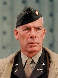 Lee Marvin (February 1924 – August was an American film and television actor. Marvin left school at 18 to enlist in the United States Marine Corps Reserve on August He served with the Marine Division in the Pacific Theater during World War II. Hollywood Men, Old Hollywood Stars, Classic Hollywood, Classic Movie Stars, Classic Movies, Male Movie Stars, Famous Men, Famous Faces, Tv Star