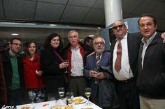 D. Antonio Pita y D. Jose Luis Gonzalez, Srita, Laura Iglesias entre otros miembros y directiva , amigos del Centro Gallego de la Region de Murcia,tras la presentación de CCamina
