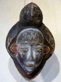 Antique for sale Punu mask with prominent african hairs Mask Head Sculpture Fine arts architecture