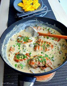Pin on Mâncare sănătoasă B Food, Good Food, Yummy Food, Pork Recipes, Cooking Recipes, Healthy Recipes, Fast Dinner Recipes, Romanian Food, Yum Yum Chicken