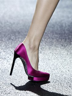 Lanvin - hot pink satin pumps with silver glitter soles Dream Shoes, Crazy Shoes, Me Too Shoes, Cl Shoes, Lanvin, Shoe Gallery, Satin Pumps, Beautiful Shoes, Shoe Collection