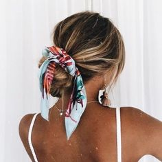 hair scarf updo summer hair bmodish Hair scarf is a decorative element that enhances the look of your hair. Here are 25 great ideas how to wear hair scarf you must try this summer! Hair Scarf Styles, Curly Hair Styles, Hair With Scarf, Hair Headband Styles, Hair Scarf Wraps, Hair Styles With Bandanas, Bandana Hairstyles For Long Hair, Long Hair Dos, Kids Hairstyle