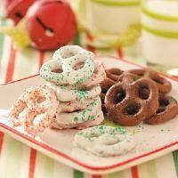 Top 25 Food Gifts...Nellie would love to get dipped pretzels @ college!!