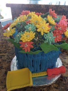 Flower pot cake Flower Pot Cake, Flower Pots, Flowers, Fondant, Homemade, Desserts, Flower Vases, Tailgate Desserts, Plant Pots