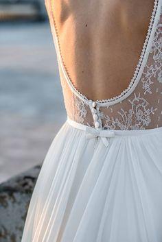 Mademoiselle de Guise Wedding Dress Collection | Bridal Musings Wedding Blog 5