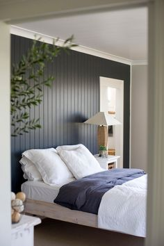 A room should never allow the eye to settle in one place. It should smile at you and create fantasy home decor decoration salon decoration interieur maison Accent Wall Bedroom, Wood Bedroom, Bedroom Decor, Bedroom Ideas, Accent Walls, Wall Decor, Bedroom Photos, Wall Photos, Modern Bedroom