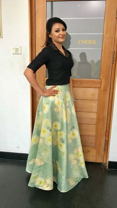New clothes logo girl ideas Long Skirt With Shirt, Skirt And Top Dress, Long Skirt And Top, Long Skirt Top Designs, Party Wear Indian Dresses, Indian Fashion Dresses, Indian Designer Outfits, Skirt Fashion, Skirt Blouse Design