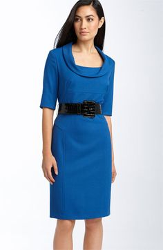 The sheath dress looks divinely elegant if it has the perfect fit and the perfect length.