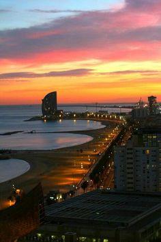 Jour 90, 10 décembre Regarder une dernière fois le soleil se coucher en Espagne au bord de la plage de Barcelone