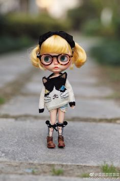 https://flic.kr/p/QvpTPv | Kitty | So cute kitty photo from 芸芸 Thank you so much for your share with the kitty sweater by my( jiajiadoll )handknit. Oh, yes, the light denim short jeans is my creation too love your baby!