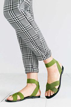 5db05b0e98a Silence + Noise Alexa Elastic Sandal - Urban Outfitters Shoe Game