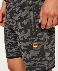 ff7702cfc8 Superdry Pantalones cortos ajustados Gym Tech Negro